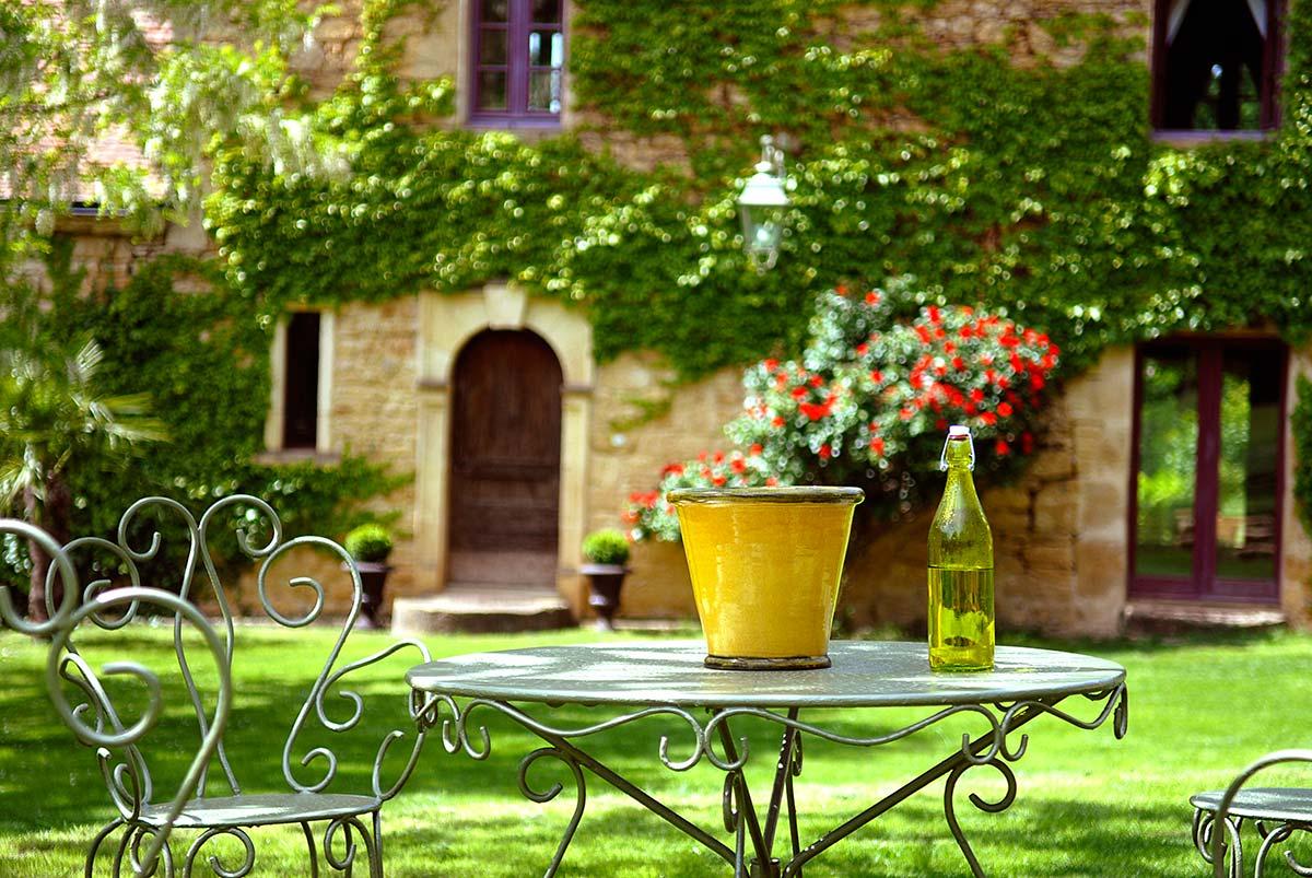 détail et nature d'une demeure de charme en dordogne